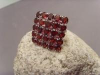 Granat-Ring / 925'er Silber rhodiniert