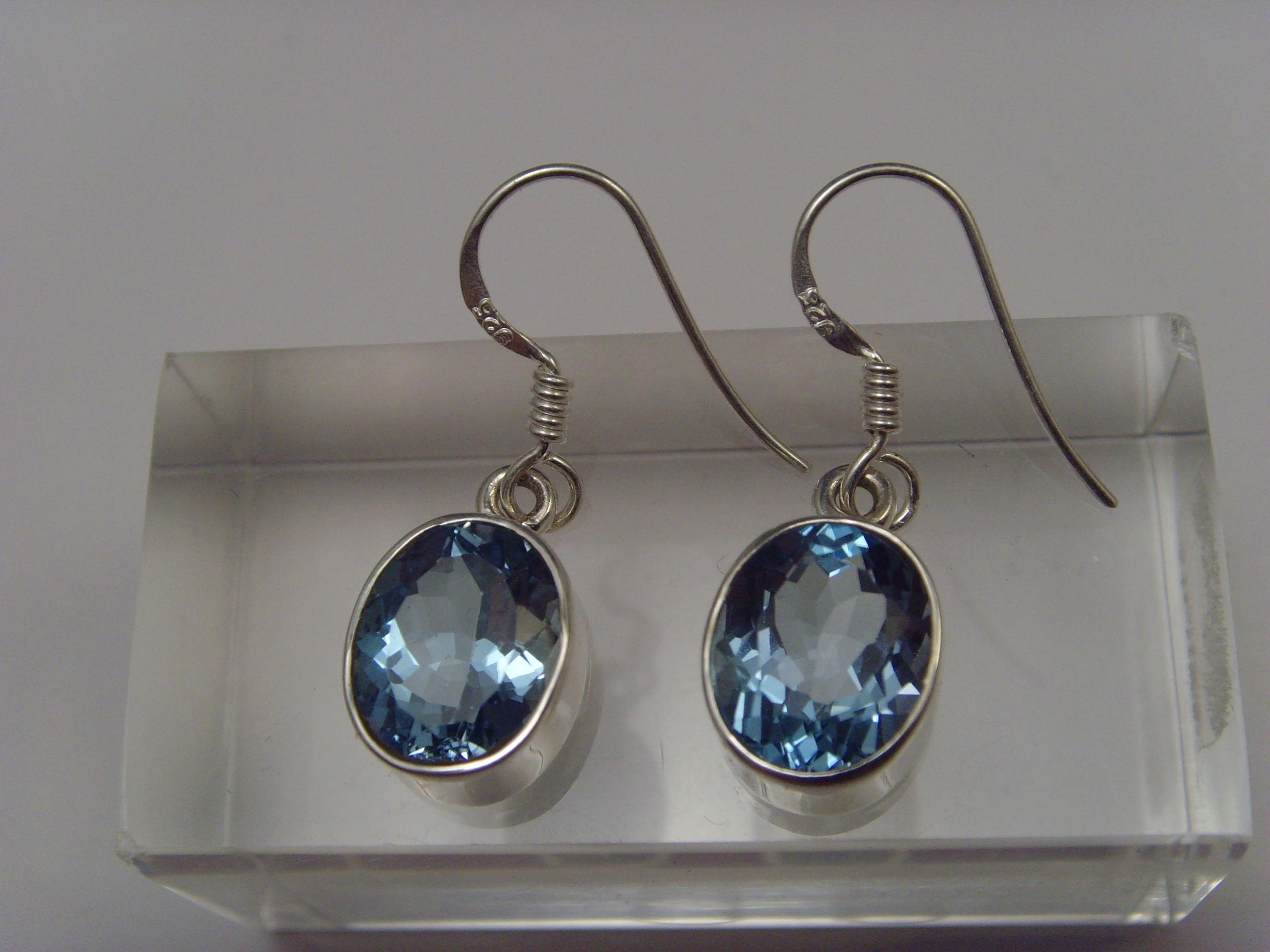 Blautopas-Ohrhänger / 925'er Silber / ovale-Form