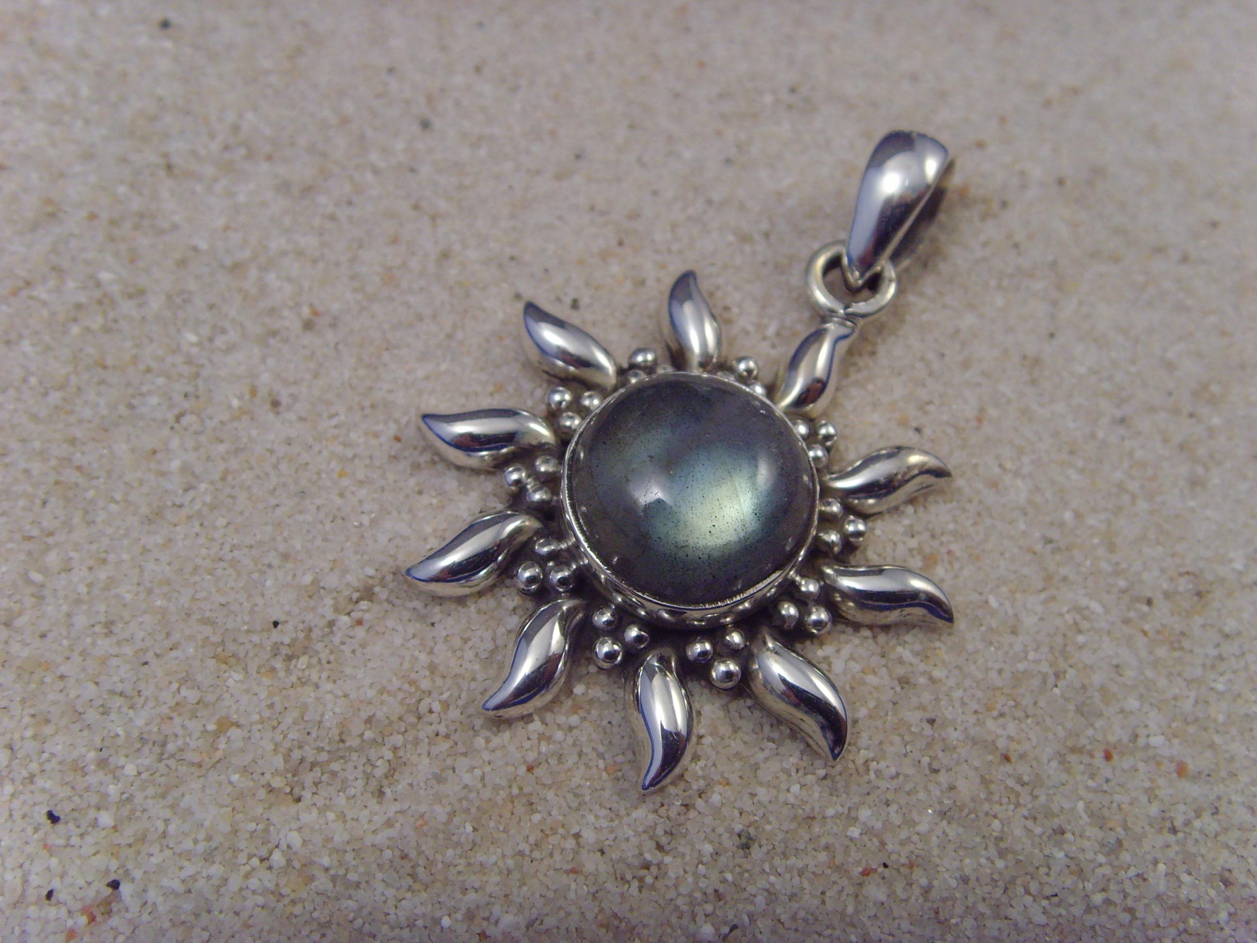 Inka-Sonne-Labradorit / 925'er Silber