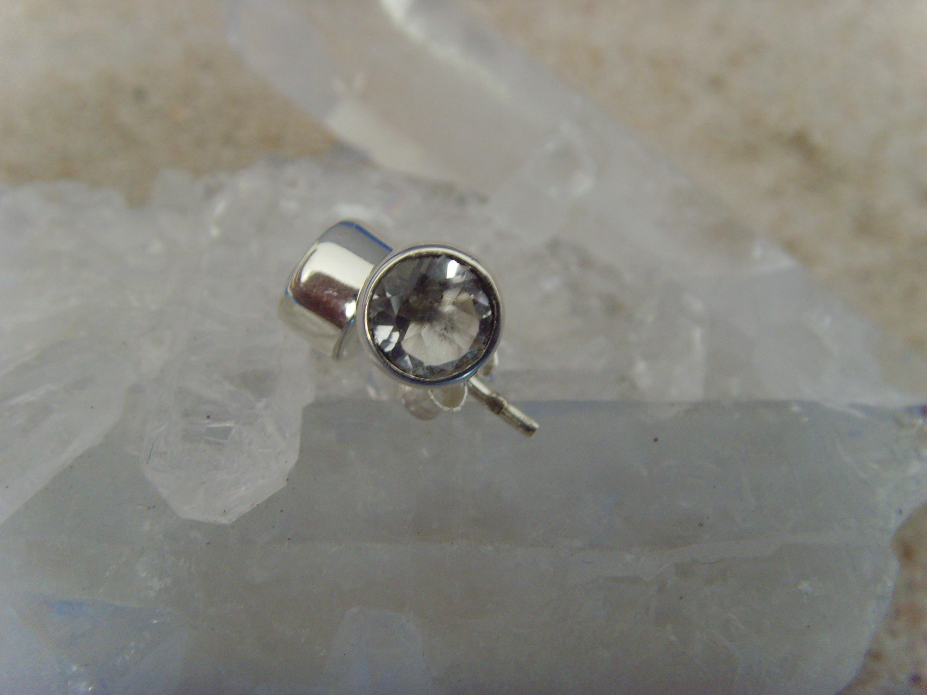 Ohrstecker-Bergkristall / facettiert - rund - 925'er Silber