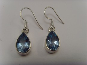 Blautopas-Ohrhänger / 925'er Silber / Tropfen-Form